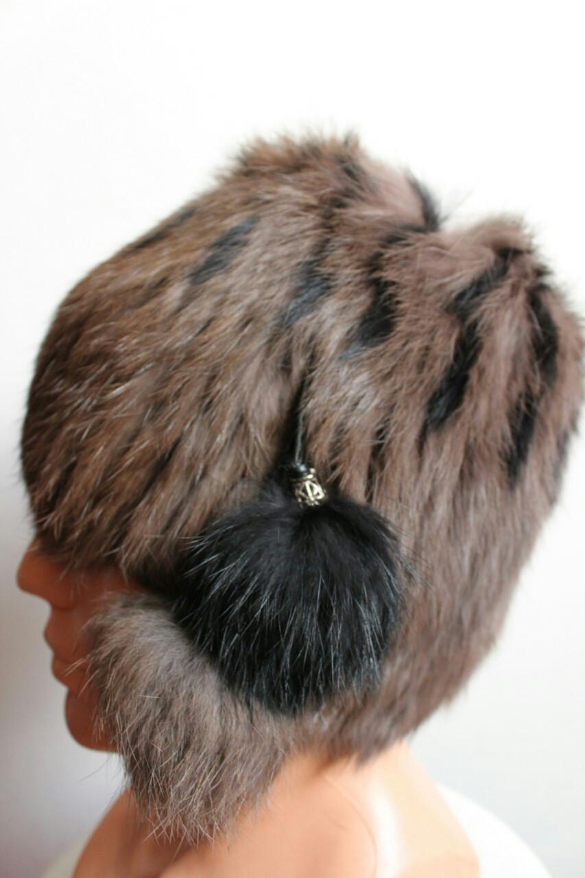 Женская зимняя шапка кубанка из меха кролика