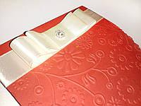 Приглашение с рельефным орнаментом и кремовой лентой
