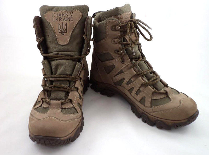 Тактичні кросівки з високими берцями кольору хакі