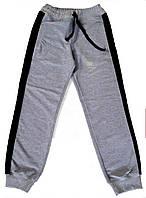 Спортивные брюки с лампасами