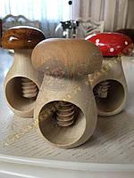 Горіходавка для всіх видів горіхів дерев'яна ручна робота