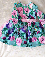 Осеннее приталенное платье на девочку с цветочным принтом плотная костюмная ткань