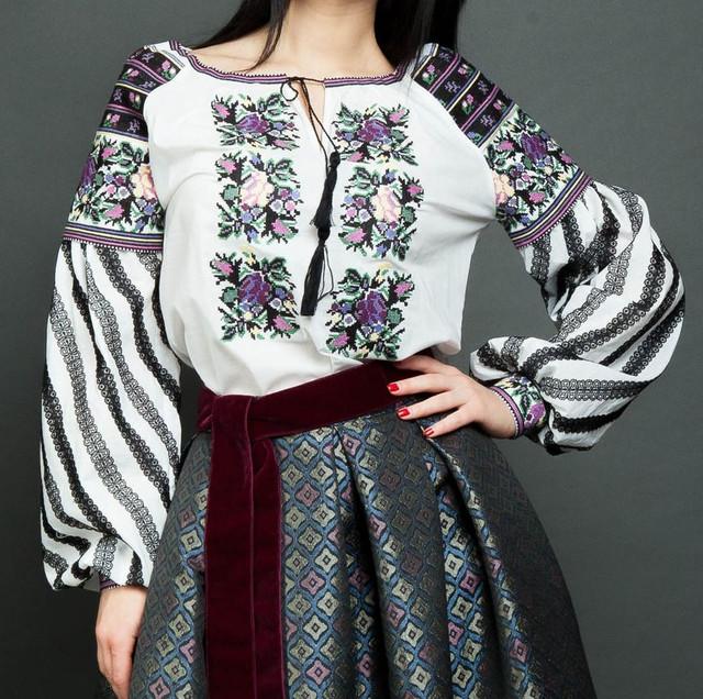 ЖІНОЧИЙ одяг для вишивки (ЗАГОТОВКИ невишиті з нанесеним на тканину  малюнком) e29b2aaa181c8