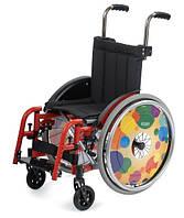 Лёгкая складная специальная инвалидная коляска KID 2