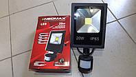 Прожектор светодиодный LED 20W NEOMAX с датчиком движения