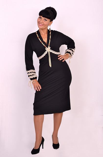 Платье чёрное трикотажное, силуэт - трапеция