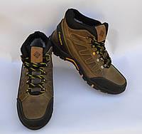 Мужские зимние нубуковык ботинки, оливковые, сбоку выдавка в виде зигзага