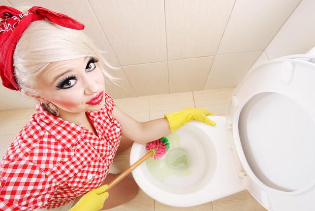 Средства для чистки ванны и унитазов