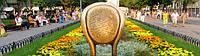 12 стул в Горсаду Одессы - настоящий барометр туристического сезона. Чем больше приезжих фотографируются на нем - тем выше сезон.