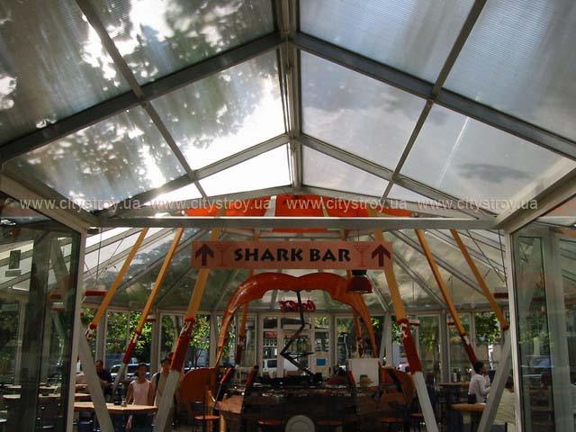 ПМП «Интергейтс» летняя площадка кафе, сотовый поликарбонат Полигаль