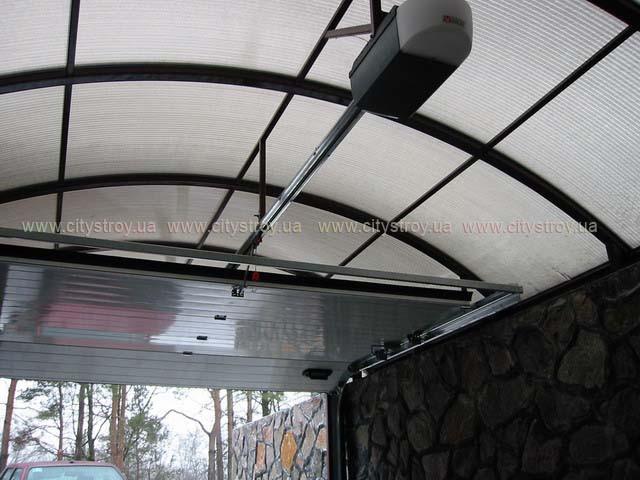 ПМП «Интергейтс» - навес для автомобиля из сотового поликарбоната