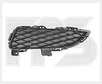 Решетка в бампер правая на Mazda,Мазда 3 -09 HB