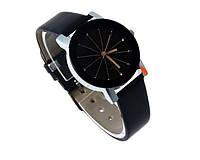 Женские кварцевые часы черного цвета (50)