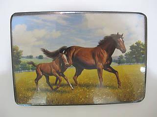 Посуда с лошадью