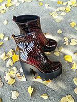 Ботинки женские на каблуке натуральный лак