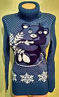 Красивый теплый женский свитер.
