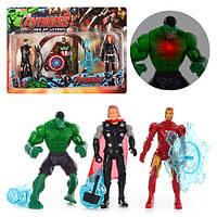 Супергерои 68475 3шт 14см, свет, оружие, 2 вида, на листе, 39-28-4,5см