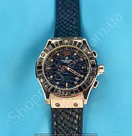 Часы Hublot Big Bang Boa Bang 114366 рептилия женские золотистые на черном каучуковом ремешке с календарем