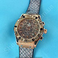 Часы Hublot Big Bang Boa Bang 114368 рептилия женские золотистые на серебристом каучуковом ремешке календарь