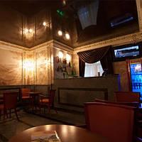 Глянцевый натяжной потолок в кафе, ресторанах, гостиницах, фото 1