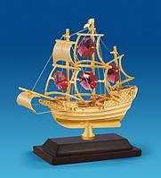 """Позолоченная фигурка """"Корабль на подставке"""" с цветными кристаллами Сваровски"""