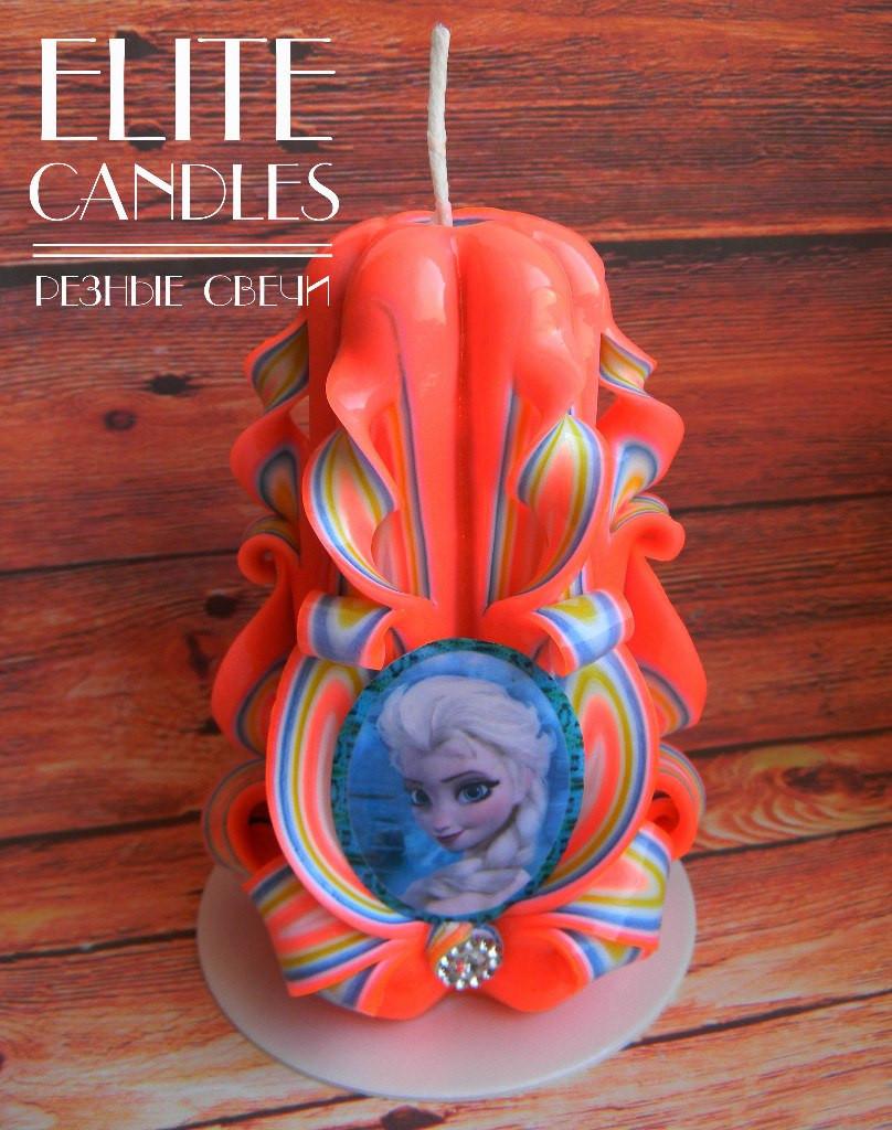 Резная свеча с табличкой, 14 см высотой, ручной работы на подарок деткам
