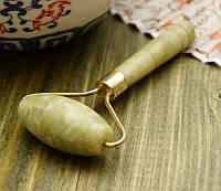 Массажер нефритовый валик гладкий (10х5,5х2 см)