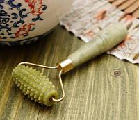 Массажер нефритовый валик игольчатый (11х5,5х2 см)