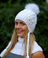 Зимняя белая шапочка для девочки