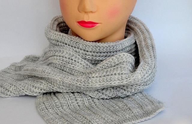 Красивый зимний шарф