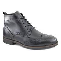 Ассортимент кожаной обуви в магазине 84 окт16