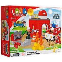 Конструктор JDLT 5151 Пожарная станция. 32 детали, свет и звук