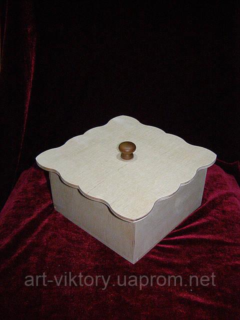 Короб с фигурной крышкой (16 х 16 х 8 см)