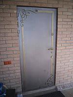 Бронированая дверь
