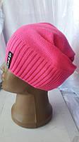 Симпатичная женская осенняя шапка розового цвета