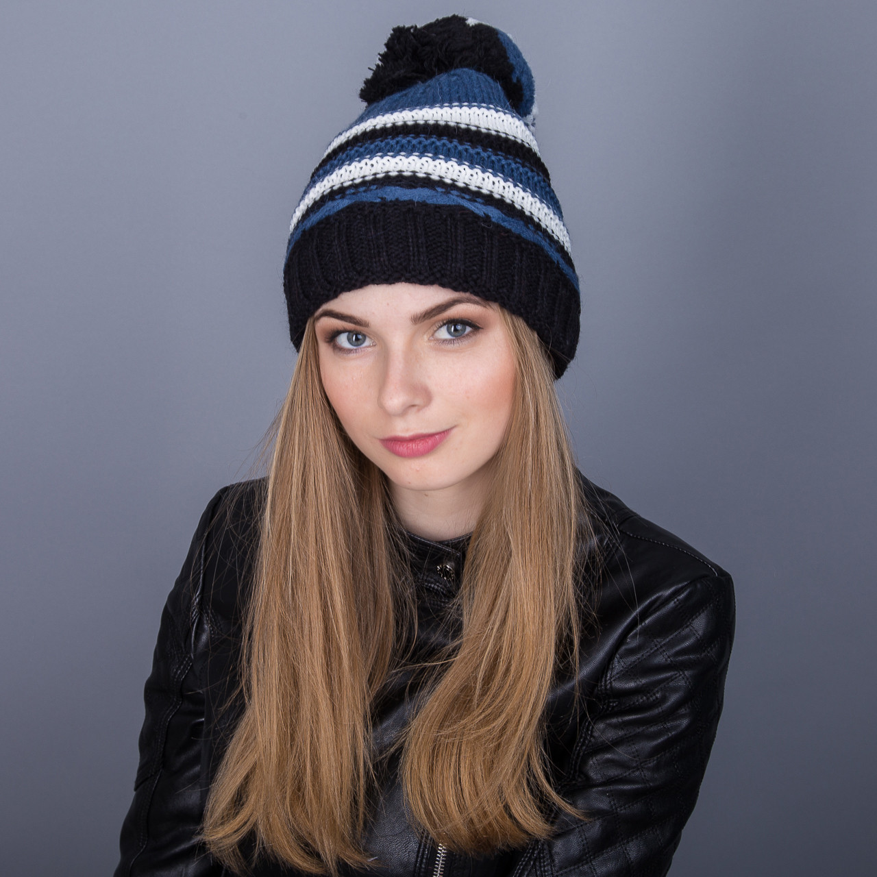 Молодежная шапка с помпоном из ангорки зима 2017 - Артикул 7047