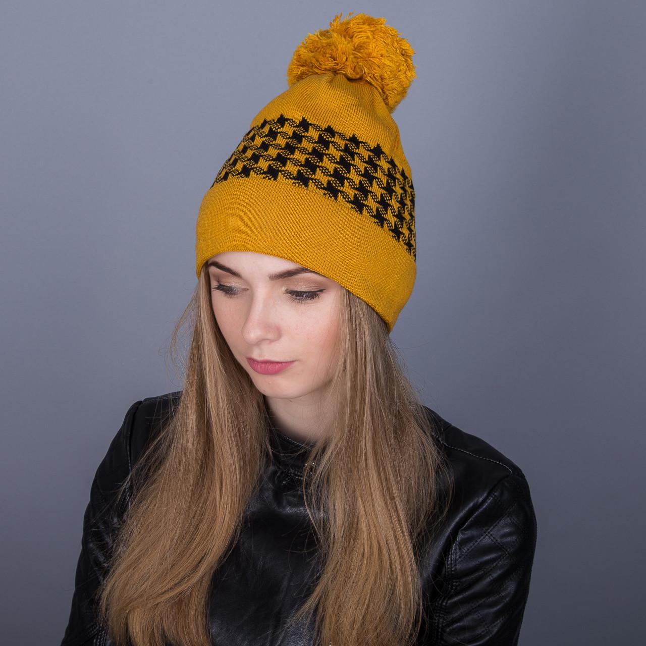 Яркая шапка с помпоном из ангорки - Артикул 7066