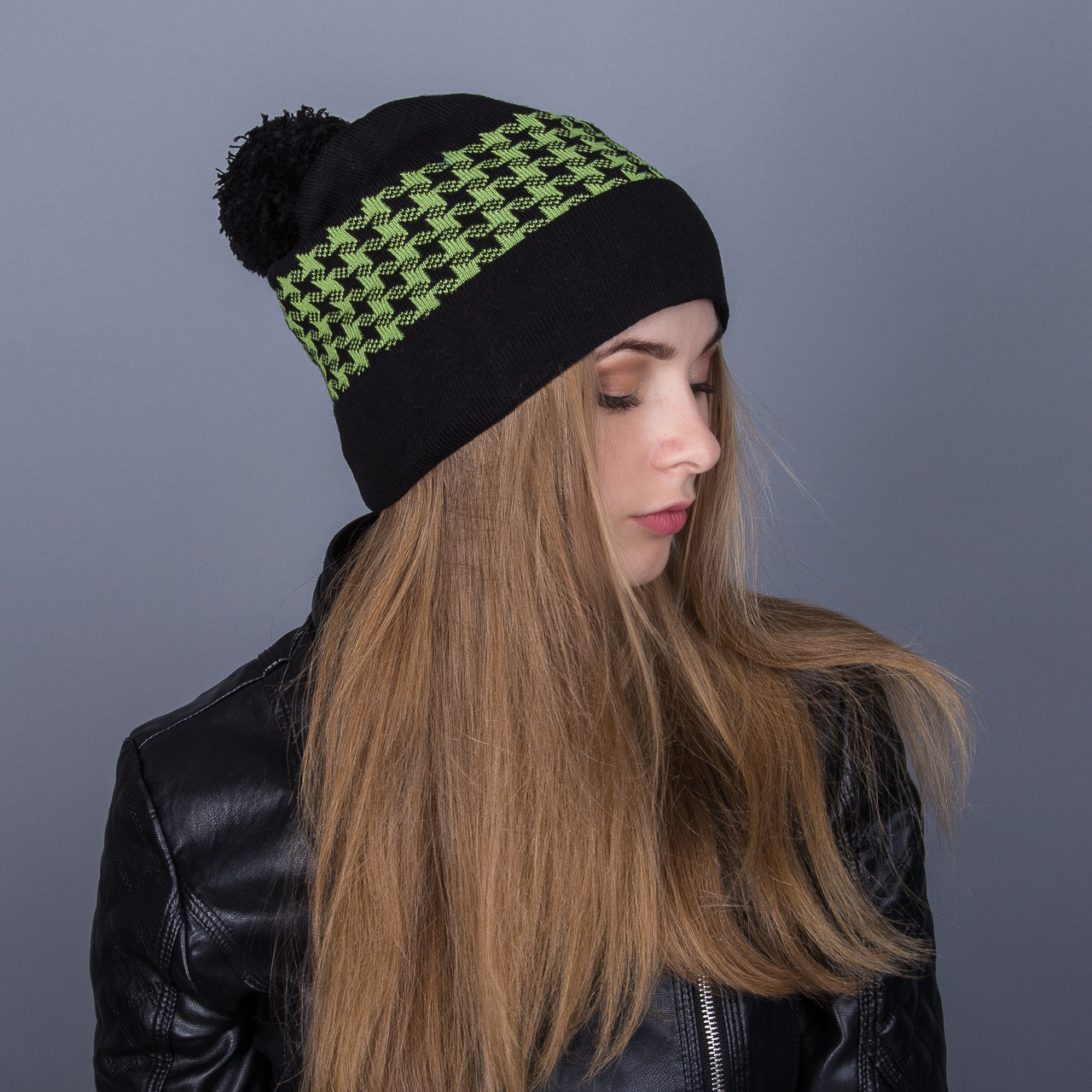 Женская шапка с помпоном зима 2017 из ангорки - Артикул 7068