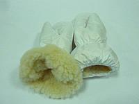 Зимние варежки белые