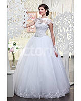 Свадебное платье красивое пышное, с глубоким вырезом на спине
