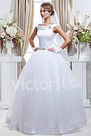 Свадебное платье пышное,  с  атласным корсетом