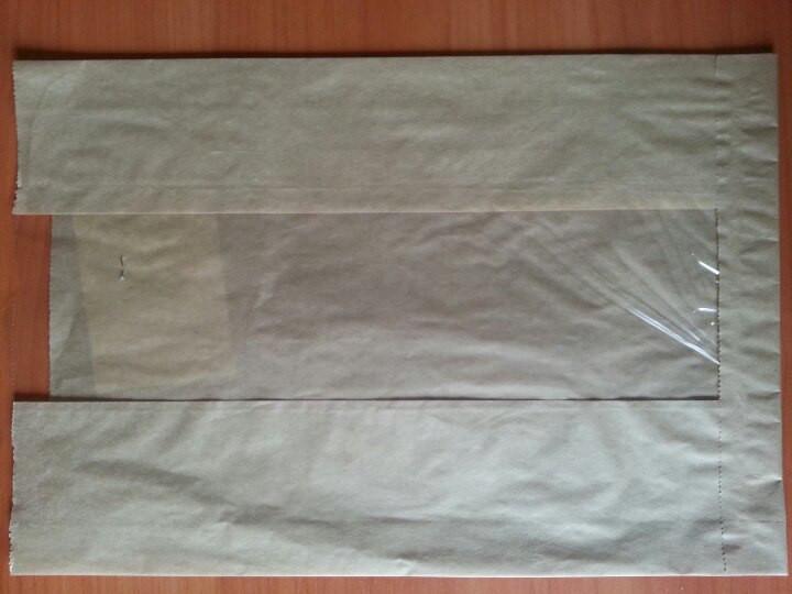 Бумажный пакет с прозрачной вставкой 300х210х50/80 мм 62