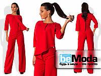 Оригинальный женский комбинезон из каественной костюмки с необычным верхом с запахом и свободными брюками красный