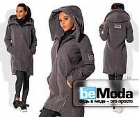 Удлиненная женская куртка из кашемира с примесью шерсти на подкладе с большим капюшоном и нашивками на спине и рукаве графитовая