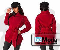 Стильный женский пиджак из кашемира оригинального кроя с большим воротником  и широким поясом красный