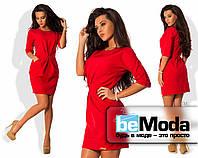 Модное женское платье из креп-костюмки оригинального кроя со сборками на талии красное