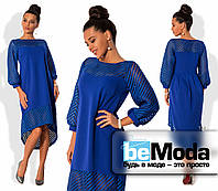 Нарядное женское платье свободного кроя с удлиненной спинкой и декоративными вставками из прозрачной сетки-неопрен цвета электрик