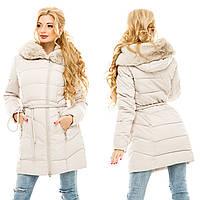Женская бежевая теплая длинная куртка с мехом