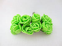 Декоративные розы из латекса 12 шт., d 2 см на ножке, салатового цвета