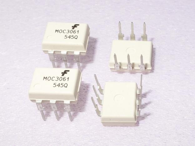 Микросхема оптрон MOC3061 (600вольт)